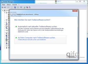 Windows bietet auch die Suche nach aktuellen Treibern im Internet an - in diesem Fall ist die andere Option jedoch die bessere und einzig richtige Wahl.
